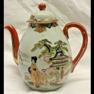 Japanese Oriental hand-painted Porcelain teapot